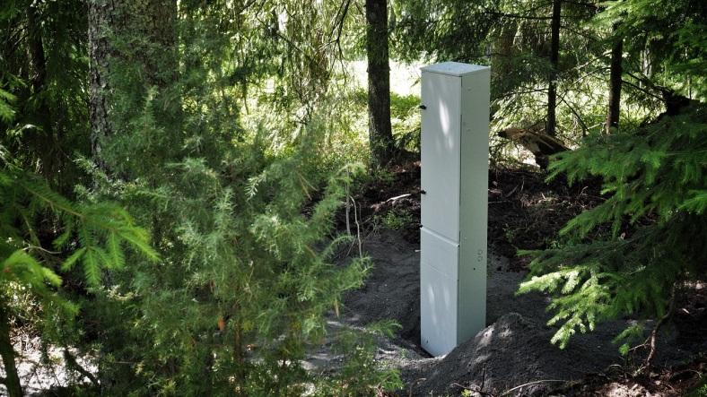 Uusi mittarikeskus metsän siimeksessä