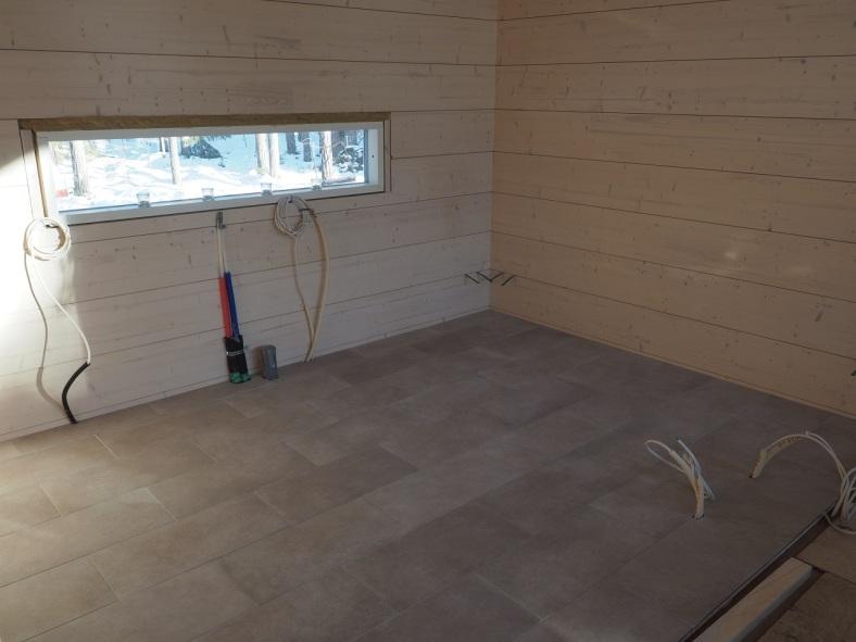 Valmis keittiön lattia