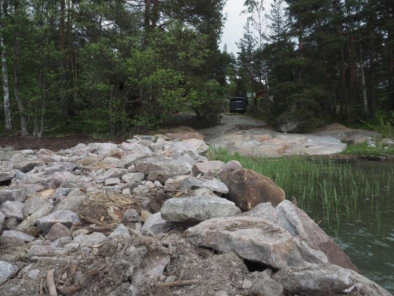 Kivilaituri ja rantakalliot